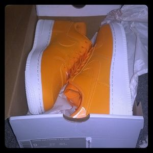 Nike Air Force 1 07 Essentials Orange Peel